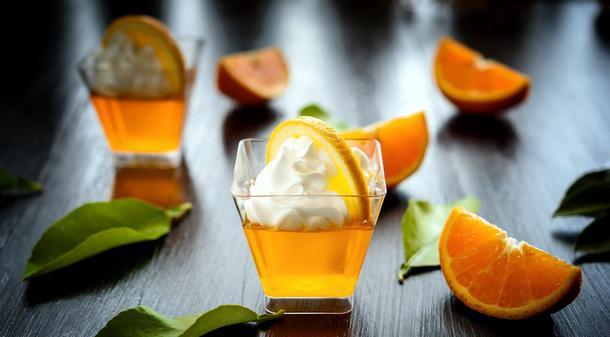 Апельсиновое желе со сливками