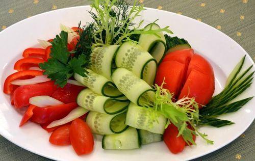 [Б] Ассорти из свежих овощей