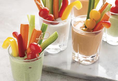 Овощи крудите с соусом блю-чиз