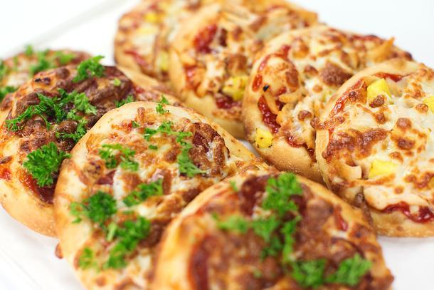Ассорти мини-пиццы гавайская и салями (8 шт)