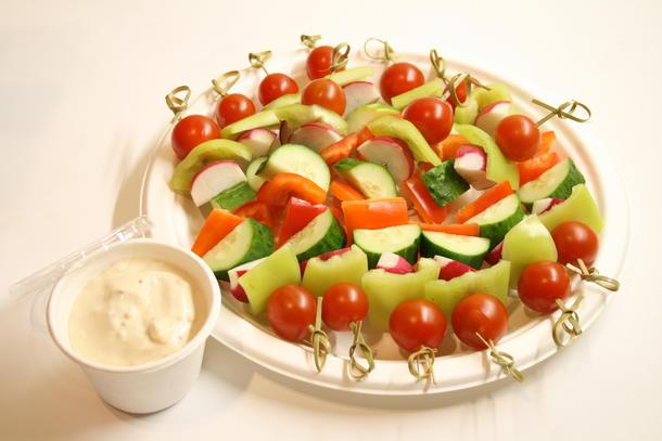 Ассорти овощей на шпажках