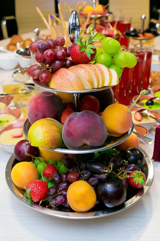 Фруктовое ассорти с ягодами (сезонные)