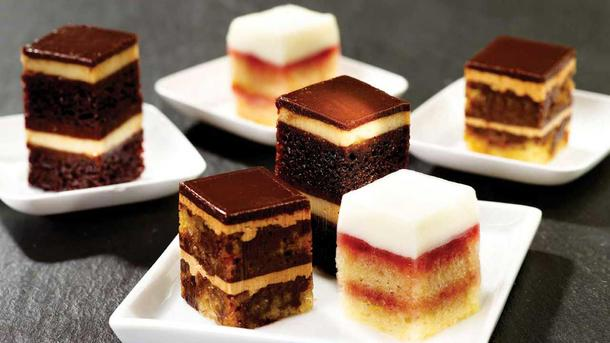 Ассорти мини пирожных ( три вида )