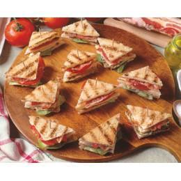 Мини сандвич с лососем