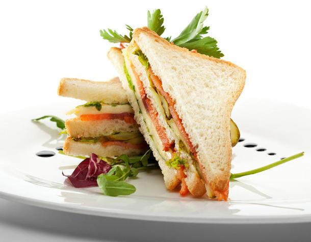 Мини сэндвичи с ветчиной и сыром