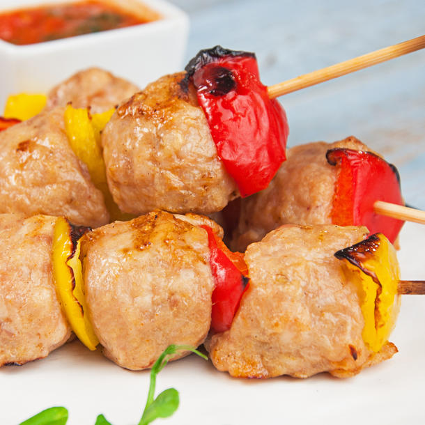 Шарики из куриного филе с соусом Аррабьята