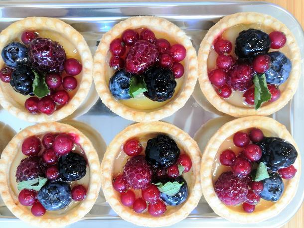 Тарт с глазированными фруктами