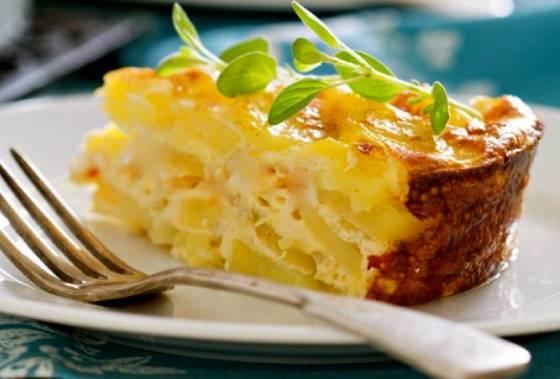 Картофельный гратен с грибами и сыром