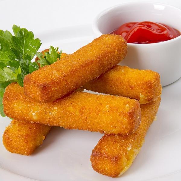 Сырные палочки с клюквенным соусом 4 шт. на порцию