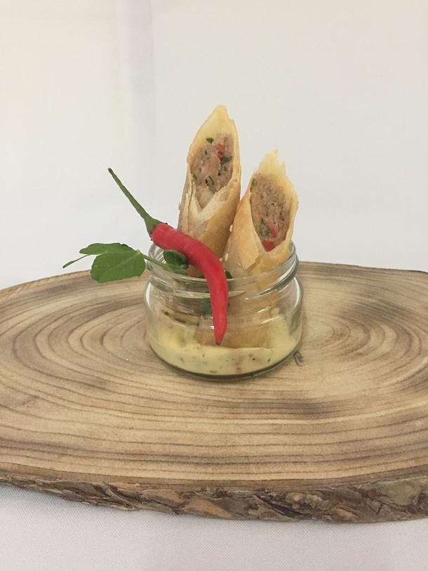 Спринг-роллы с куриным филе и беконом