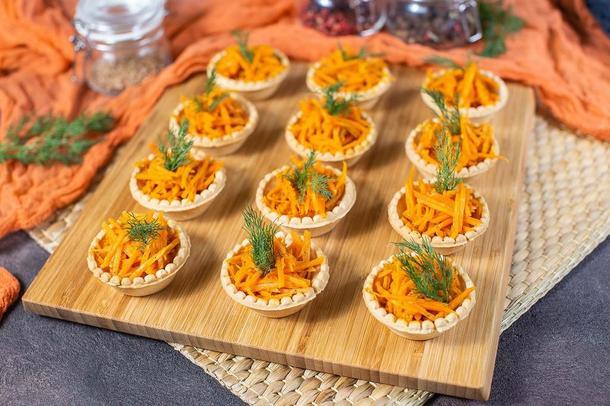 Тарталетки с морковью по корейски