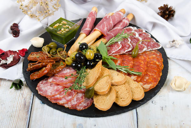 Средиземноморская мясная тарелка