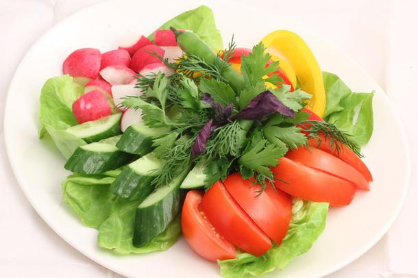 Ассорти свежих овощей и зелени