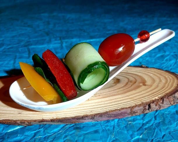 К - Канапе овощной микс