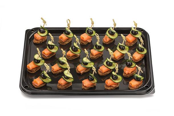 Канапе из копченого лосося на ржаном тосте с овощами, 10 шт