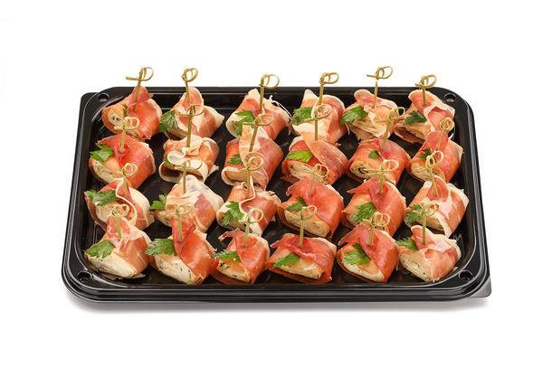 Мини-рулеты из пармской ветчины со сливочным сыром и зеленью, 10 шт