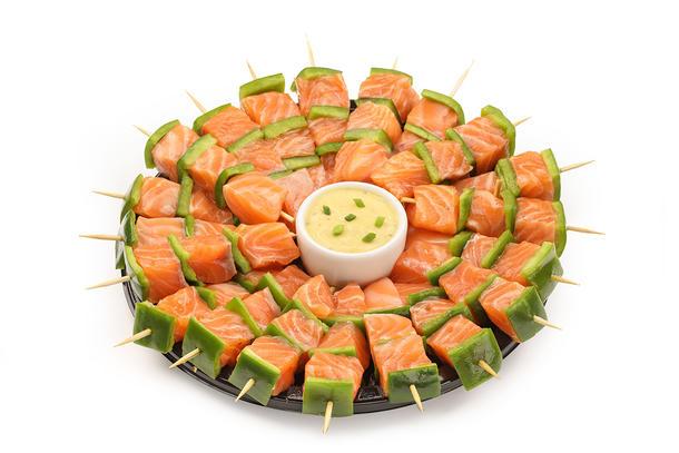 Мини-шашлычки из лосося с соусом терияки, 10 шт