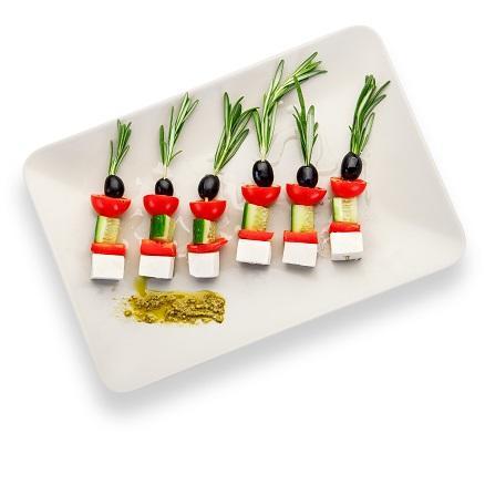 Канапе из овощей с сыром Фета и соусом Песто