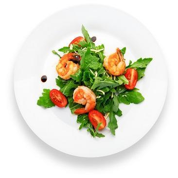 Салат из рукколы с тигровыми креветками