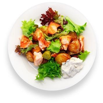 Салат из жаренной семги с картофелем мини