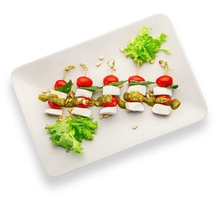 Моцарелла с томатами Черри на шпажке с соусом Песто