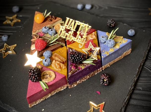 Торт на День Рождения M
