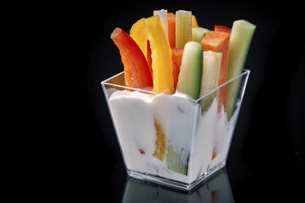 Дип блю-чиз с овощной соломкой