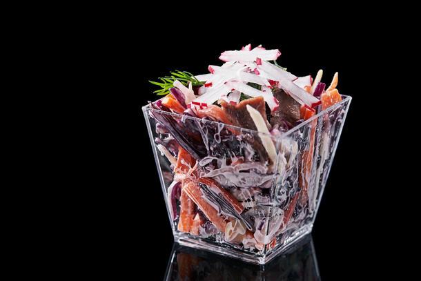Салат с пастрами