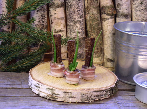 Бородинский хлебушек с салом и зеленью