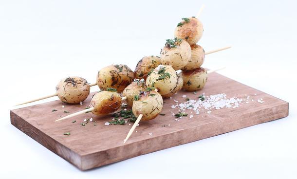 Шашлычки на шпажке с мини-картофелем