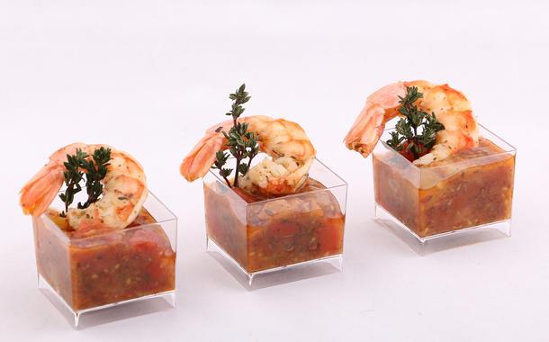 Канапе из креветки в томатном соусе