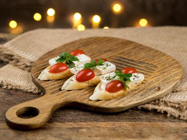 Мака с греческим сыром и фермерскими мини томатами