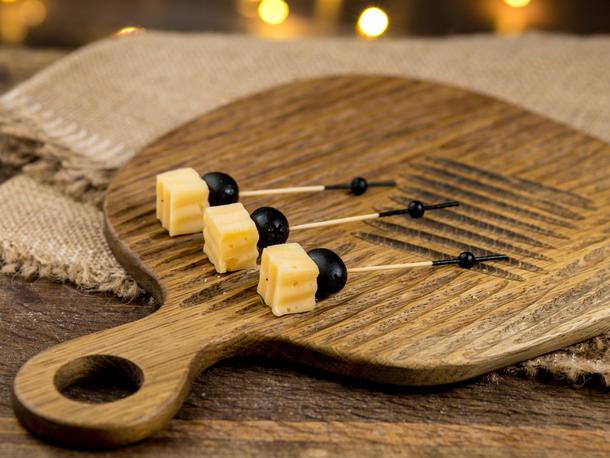 Шпажка с топленым сыром
