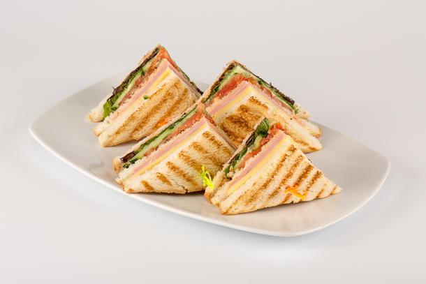 Мини-сендвич с куриным, запеченным филе