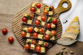 Веган/пост Микс помидор и тофу с пряным, оливковым маслом и базиликом (Закуски)