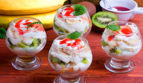 Фруктовый салат с сыром москарпоне