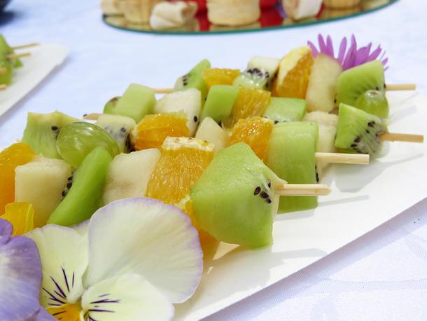 Брошет сезонных фруктов