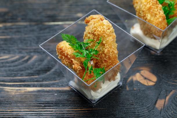 Стрипсы куриные, медово-горчичный соус