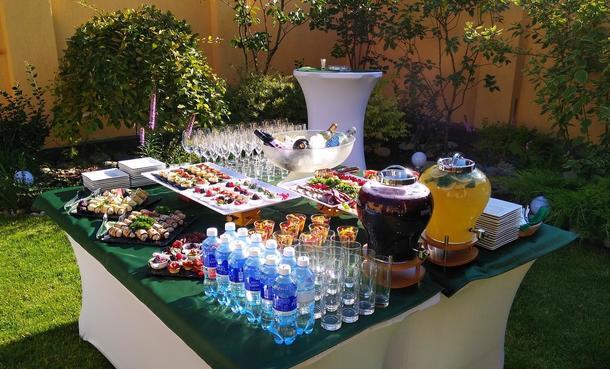 Сервировка и декорирование стола