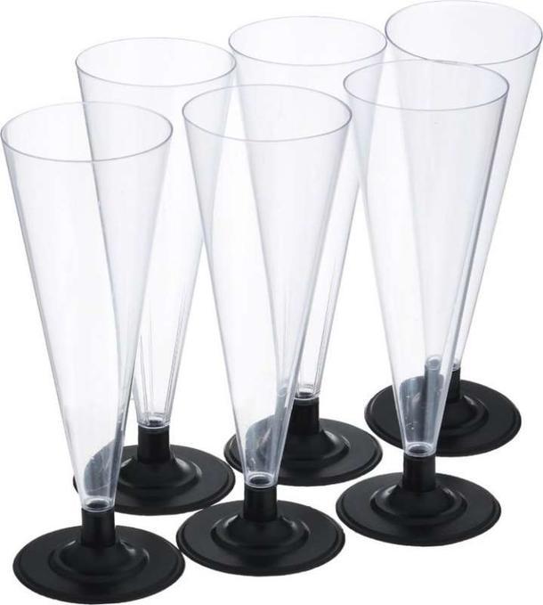 Пластиковые бокалы под шампанское