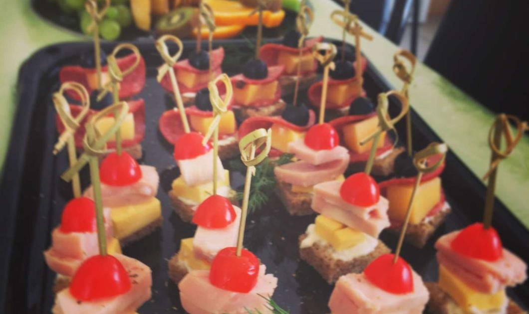 1/2 catering